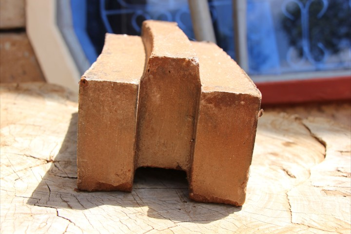 Interlocking-bricks-52dd4f9177a67921f8e7