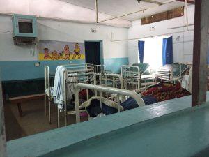 in het ziekenhuis van Meru